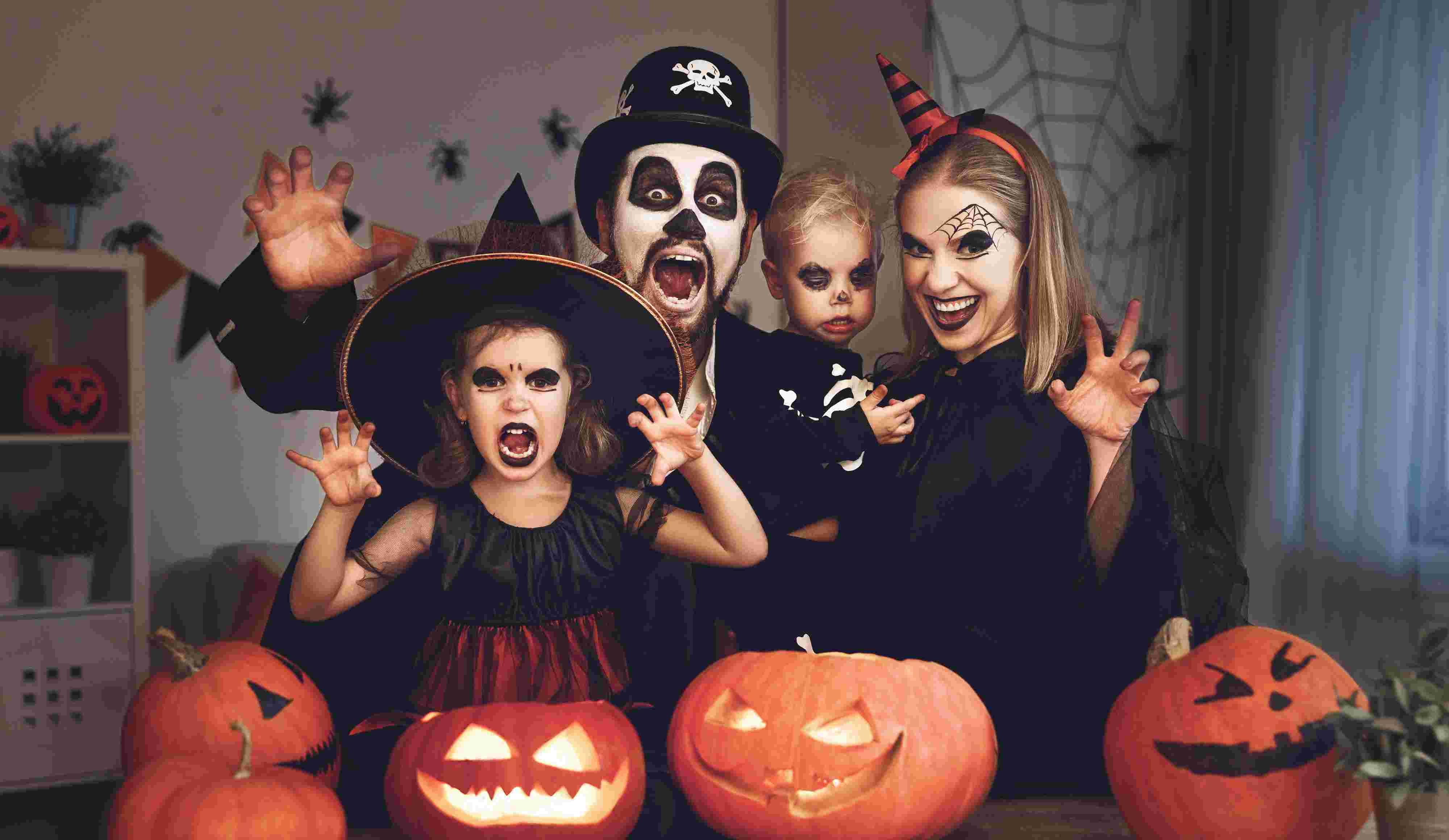 Хелоуин - Вси светии - костюми