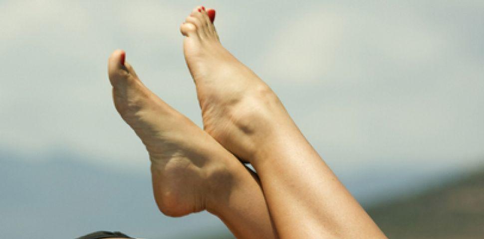 Как да премахнем загрубялата кожа на ходилата?