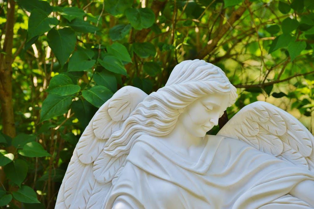 Съществуват ли ангелите?