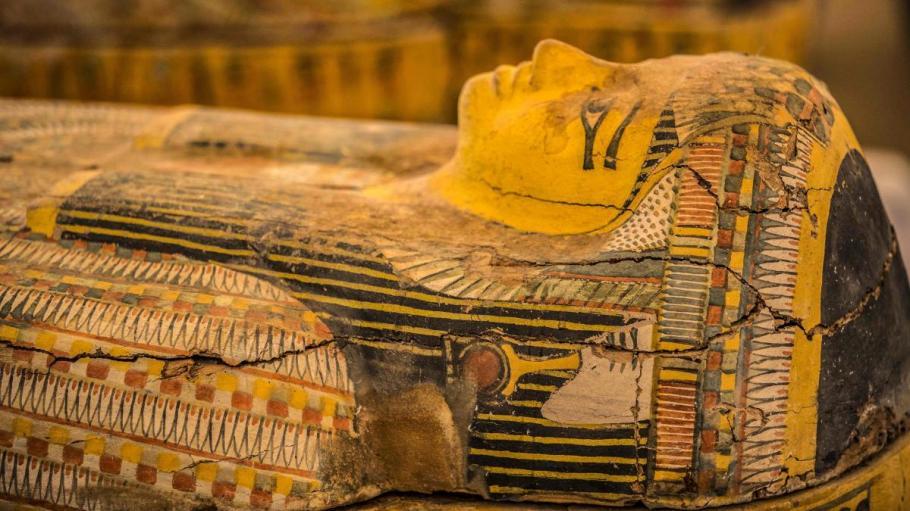 саркофаг с мумии