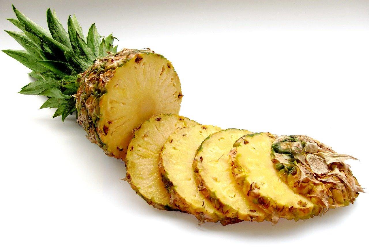 10 храни за детоксикация на черния дроб - ананас