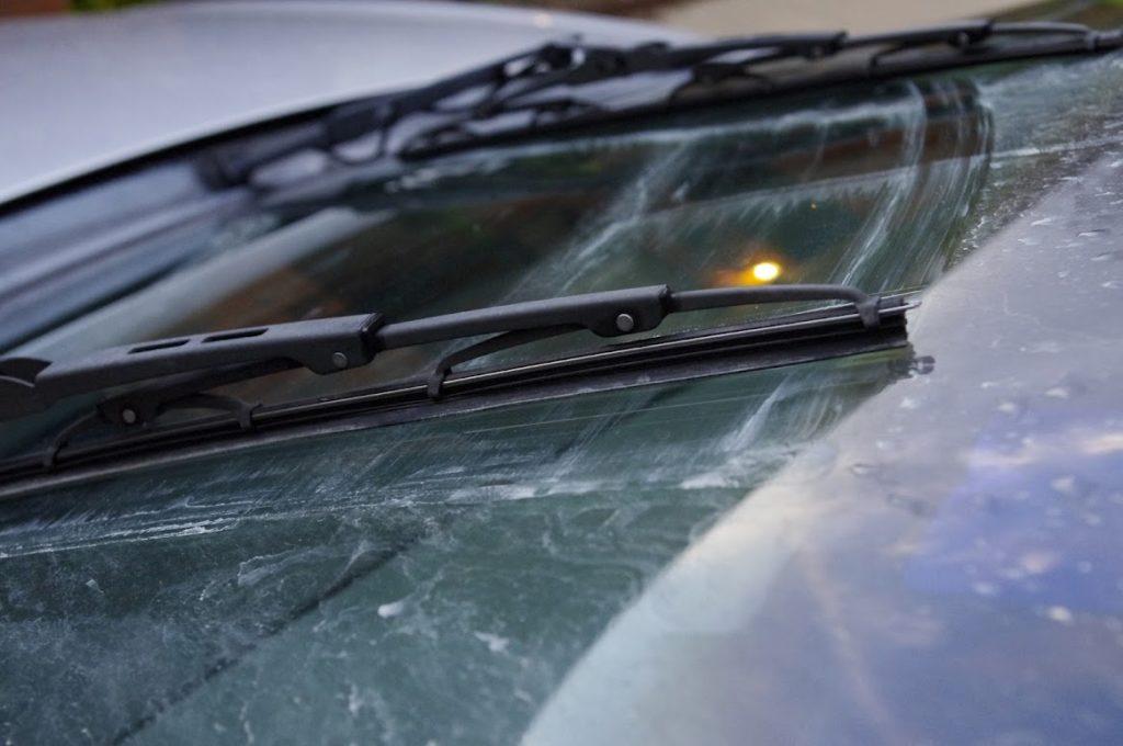 Златни правила за колата в студа - чистачки