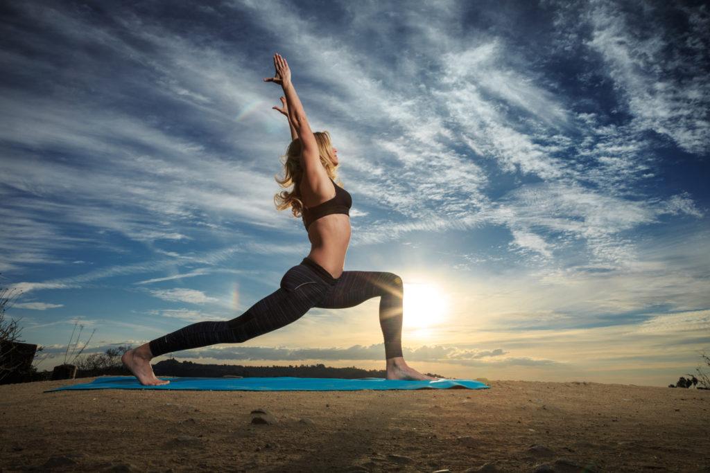 5 сутрешни трика за ускоряване на метаболизма - разтягане